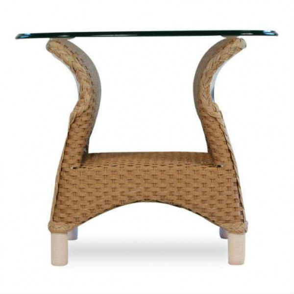 Lloyd Flanders Mandalay Wicker End Table