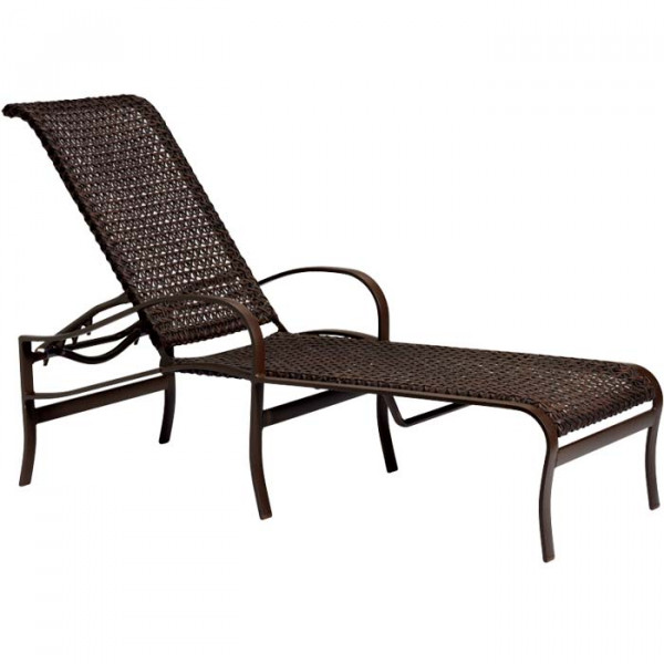 Tropitone Palladian Lattice Wicker Chaise Lounge