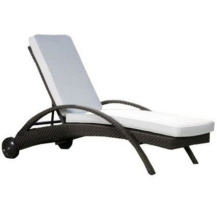 Hospitality rattan soho wicker chaise lounge for Bamboo chaise lounge