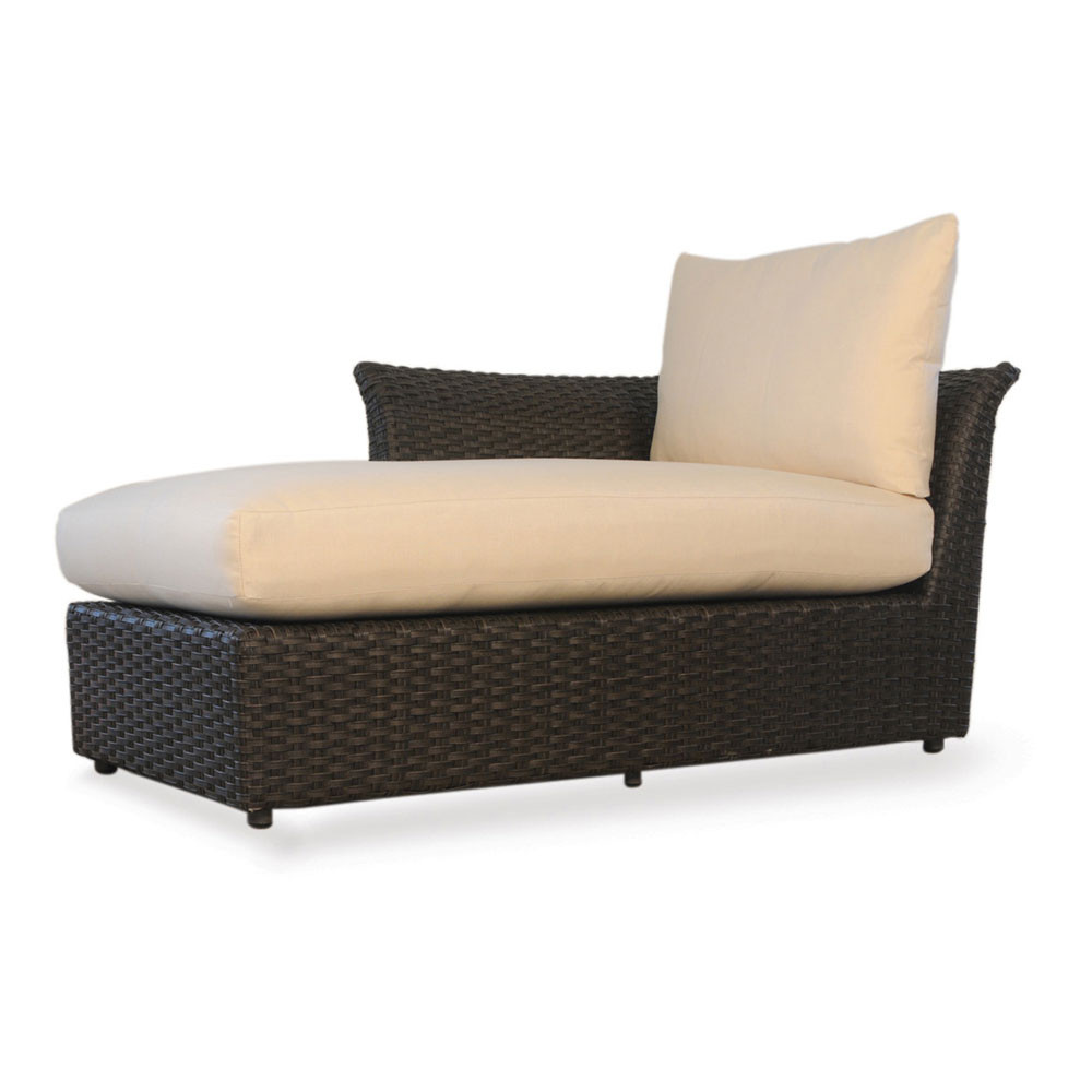 Lloyd flanders flair right arm sectional chaise for Arm chaise lounge